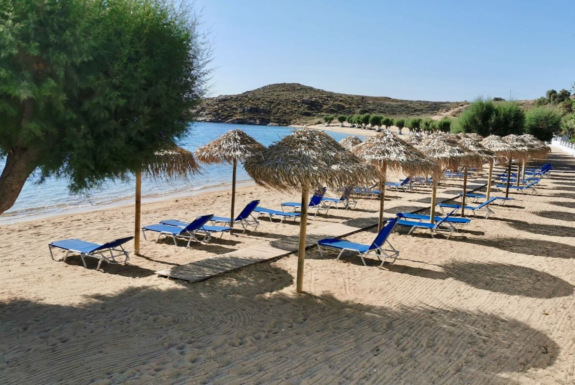 Coralli Camping - Coralli Bungalows - Παραλία Λιβαδάκια Σέριφος ...